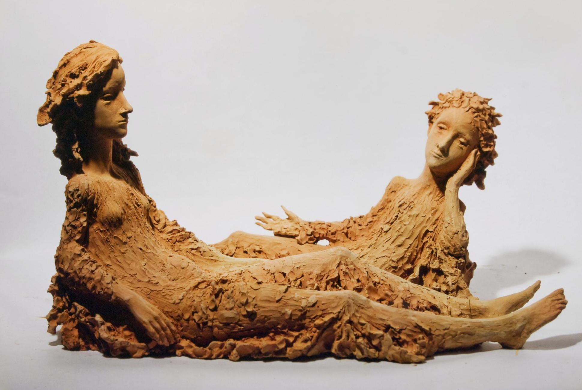 Dos mujeres tumbadas